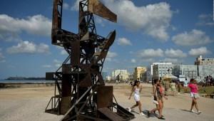 En Cuba, ¿se está limitando la creación artística a través de las leyes?