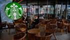 Breves económicas: Starbucks estudia modificar sus operaciones