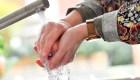 Esta es la manera correcta de lavarse las manos, según la OMS