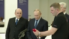Putin visita centro de monitoreo del coronavirus