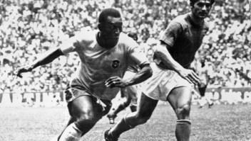 """Pelé y el racismo en el fútbol: """"nos llamaban chimpancés"""""""