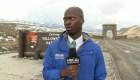 Reportero huye al ver venir una manada de bisontes