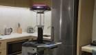 Robots que eliminan virus llegan para desinfectar hoteles