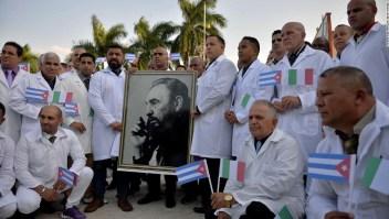 Los países afectados por el coronavirus están pidiendo ayuda médica a Cuba. ¿Por qué se oponen los Estados Unidos?
