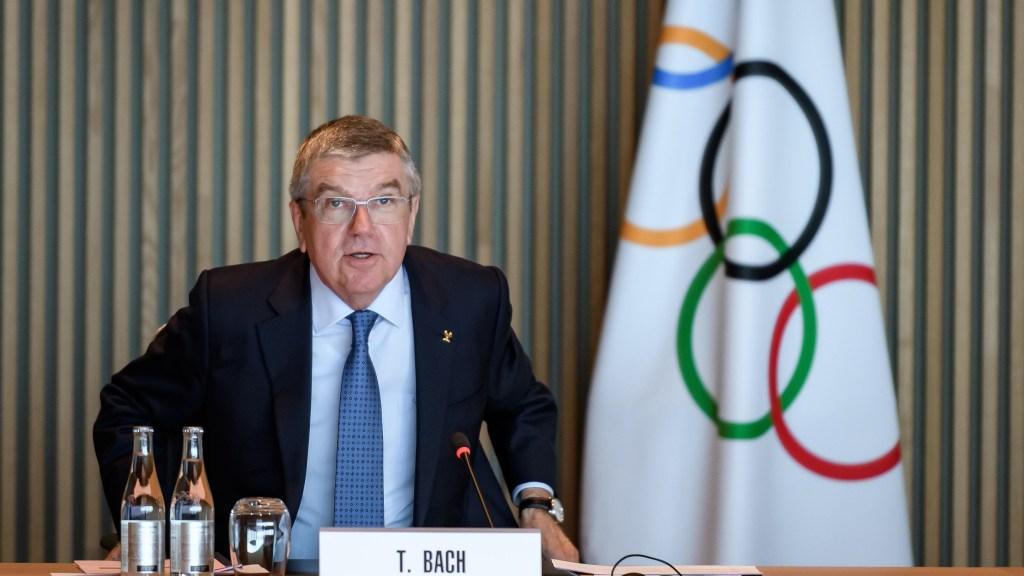 El presidente del Comité Olímpico Internacional (COI), Thomas Bach, habla en la apertura de una reunión del Comité Ejecutivo en la sede del COI en Lausana el 3 de marzo de 2020. Crédito: FABRICE COFFRINI / AFP a través de Getty Images.