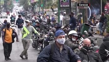 Venezuela enfrenta otra crisis: la escasez de gasolina