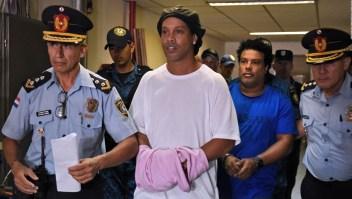 Ronaldinho habla desde el arresto domiciliario