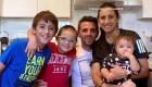 """Futbolista aclara """"informaciones erradas"""" sobre la salud de su madre"""