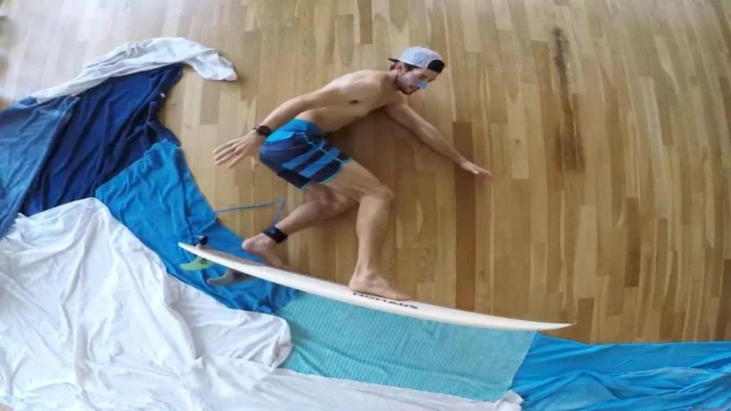 Una forma creativa de practicar surf en casa