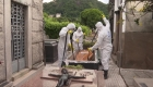 Los preparativos para enterrar a las víctimas de covid-19