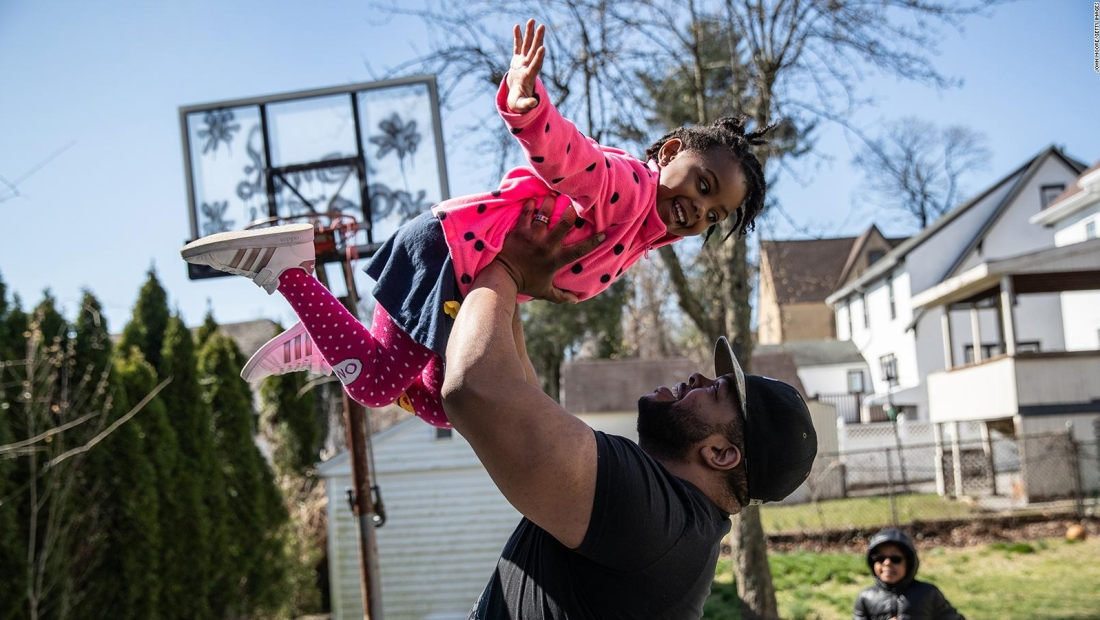 Experto: Niños expresan mejor que adultos sus preocupaciones