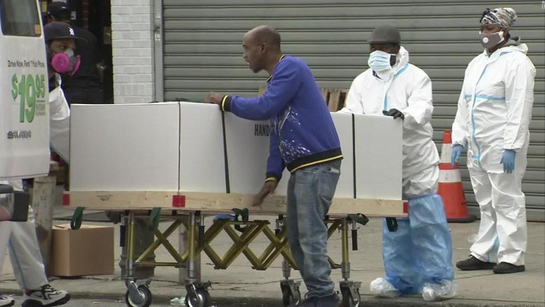 Encuentran cuerpos en camiones en Brooklyn