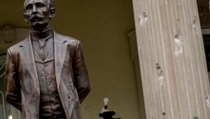 Atacan a la embajada de Cuba en Washington