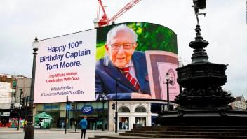 El capitán Tom cumple 100 años