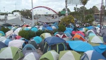 Solicitantes de refugio en EE.UU., excluidos de ayuda humanitaria
