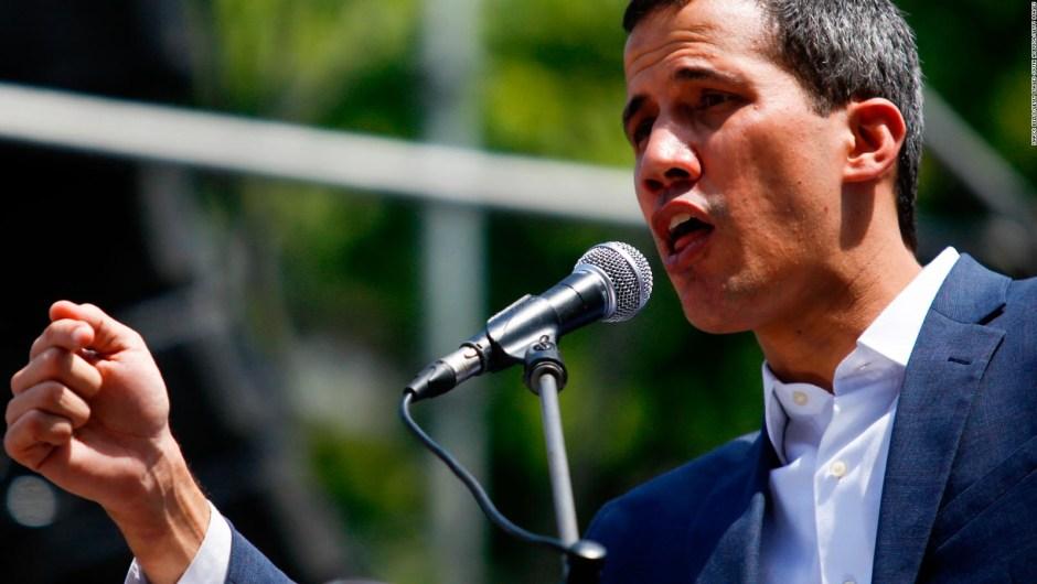 Exmilitares comparecieron ante la corte y Maduro dice que Guaidó es prófugo de la justicia