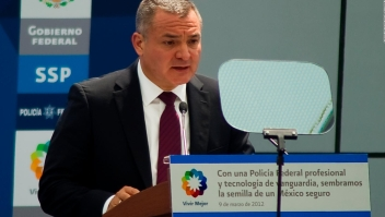 acobson y Calderón desconocen nexos de exfuncionario con el crimen