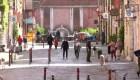 Italianos vuelven a las calles tras semanas en cuarentena
