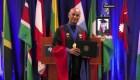 La Universidad de Arizona celebra graduación con robots