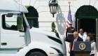 Trump dice que protesta de camioneros era a favor de él