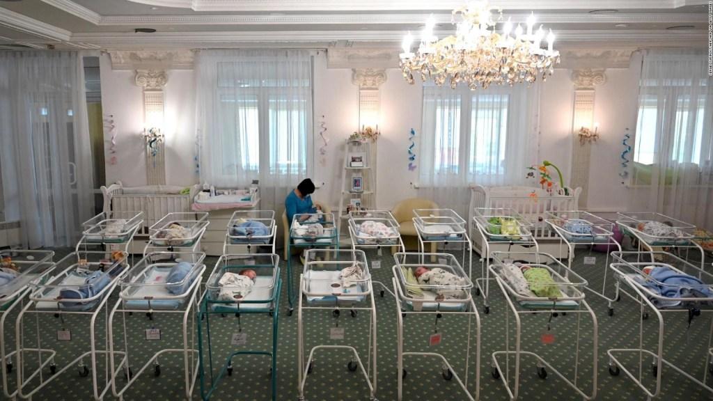 Recién nacidos atrapados en Ucrania por la pandemia