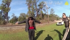 Video muestra a Arbery con la policía en 2017