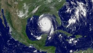 EE.UU. espera una activa temporada de huracanes