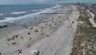 Playas de EE.UU. se preparan para un Día de los Caídos con pandemia