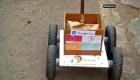 India: Un robot recoge los alimentos por los clientes para evitar contagios