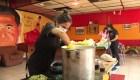 Ollas comunes vuelven por el hambre que trajo la pandemia en Chile