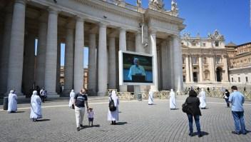 """Italia, entre la """"nueva normalidad"""" y las oraciones del papa"""