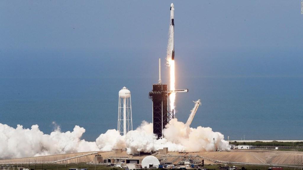Despega el vuelo tripulado de SpaceX