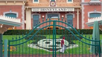 Las ganancias de Disney cayeron un 91% el trimestre pasado cuando sus parques cerraron sus puertas