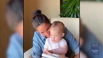 Meghan Markle le lee a su hijo por su primer cumpleaños