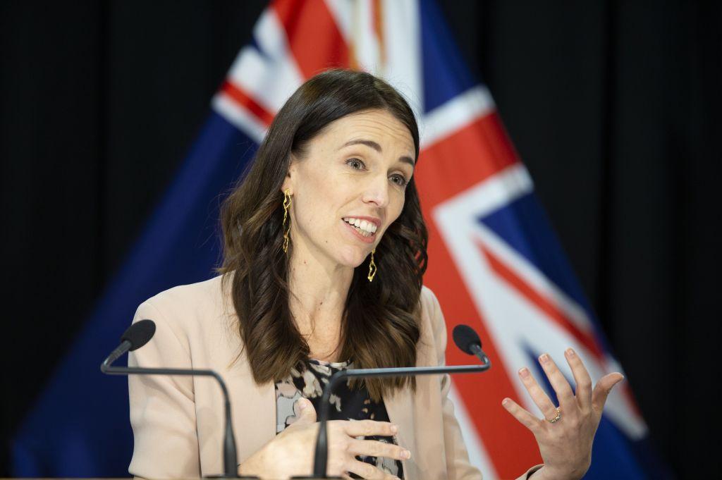 La reacción de la primera ministra de Nueva Zelandia cuando la sacudió un temblor en medio de una entrevista