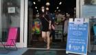 Mujeres en la Florida protestan contra las mascarillas
