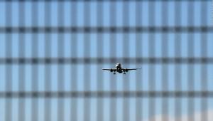 ¿A cuáles países abrió su espacio aéreo Italia?