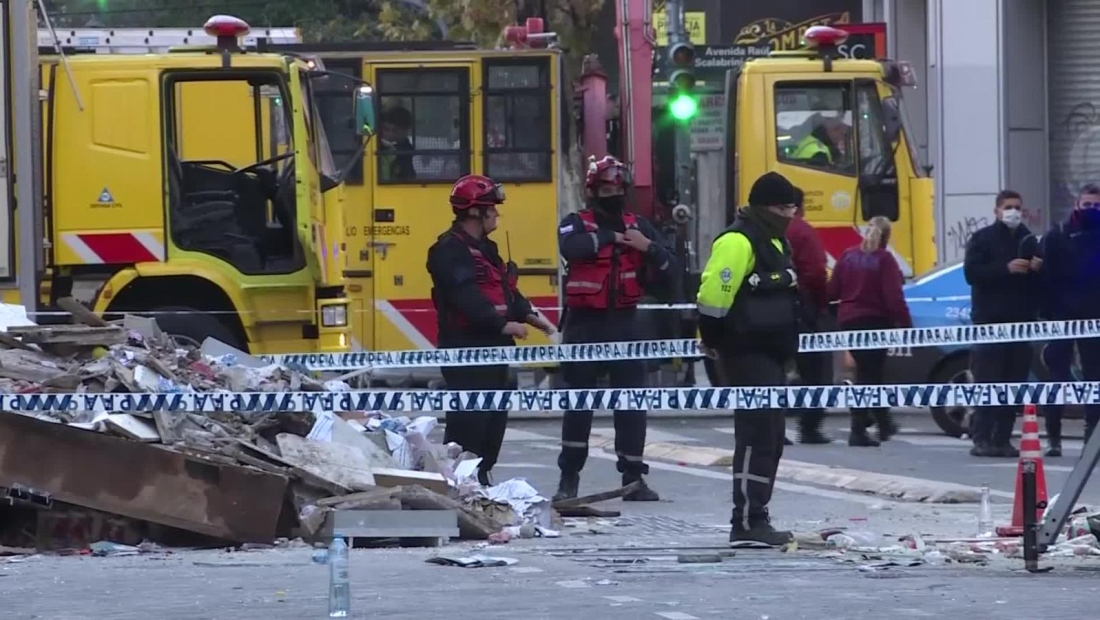 Explosiones en Buenos Aires dejan 2 bomberos muertos