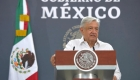 López Obrador busca calmar la preocupación por altas cifras de covid-19