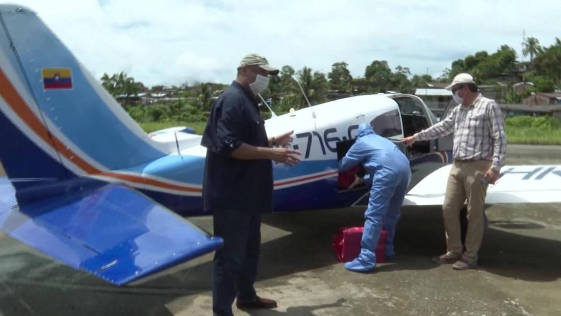 Pilotos voluntarios ayudan a combatir el covid-19 en la selva