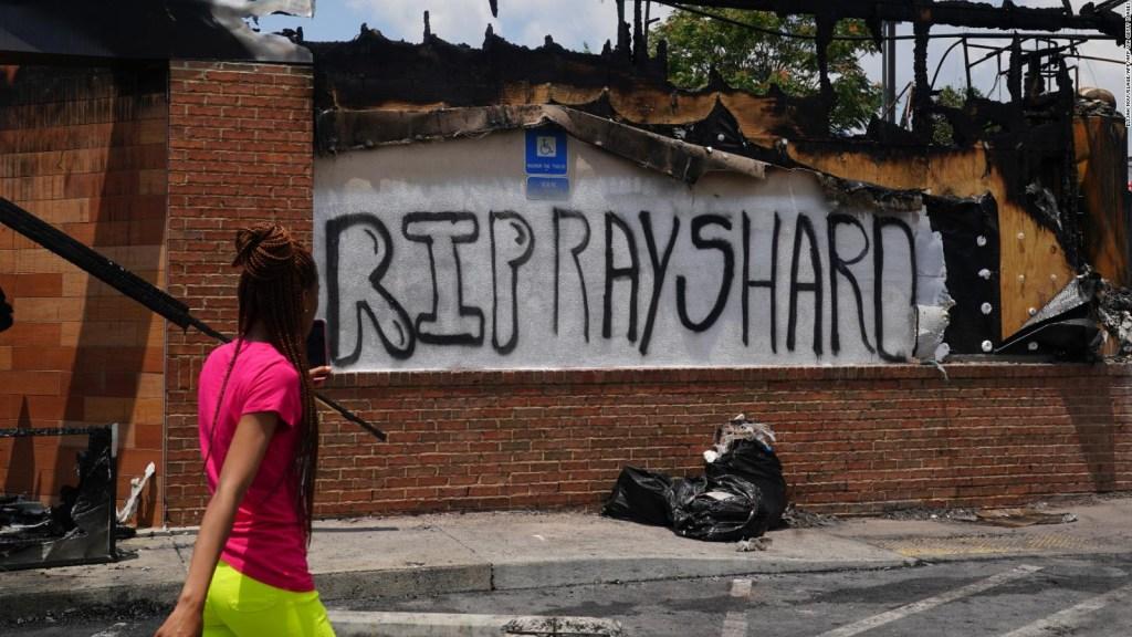 La muerte de Rayshard Brooks reaviva el debate por la violencia policial en EE.UU.