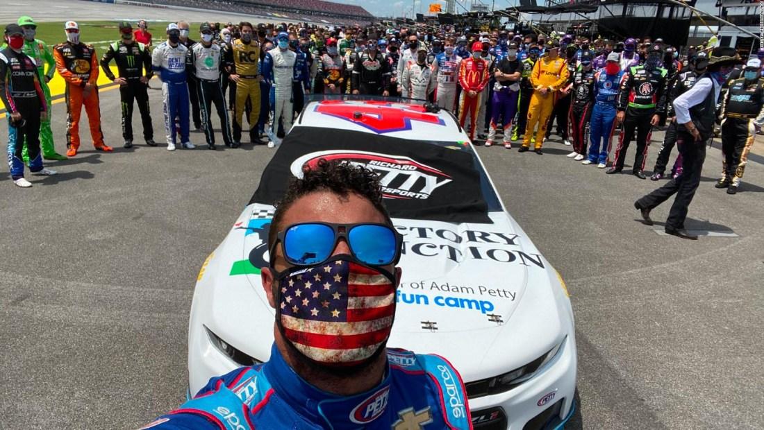 Un gesto en la NASCAR que conmueve a Bubba Wallace