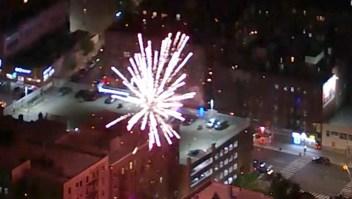 Fuegos artificiales tienen en vilo a barrios de Nueva York