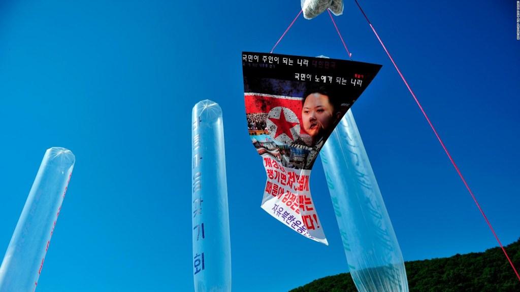 Disidentes norcoreanos envían panfletos contra Kim Jong-Un