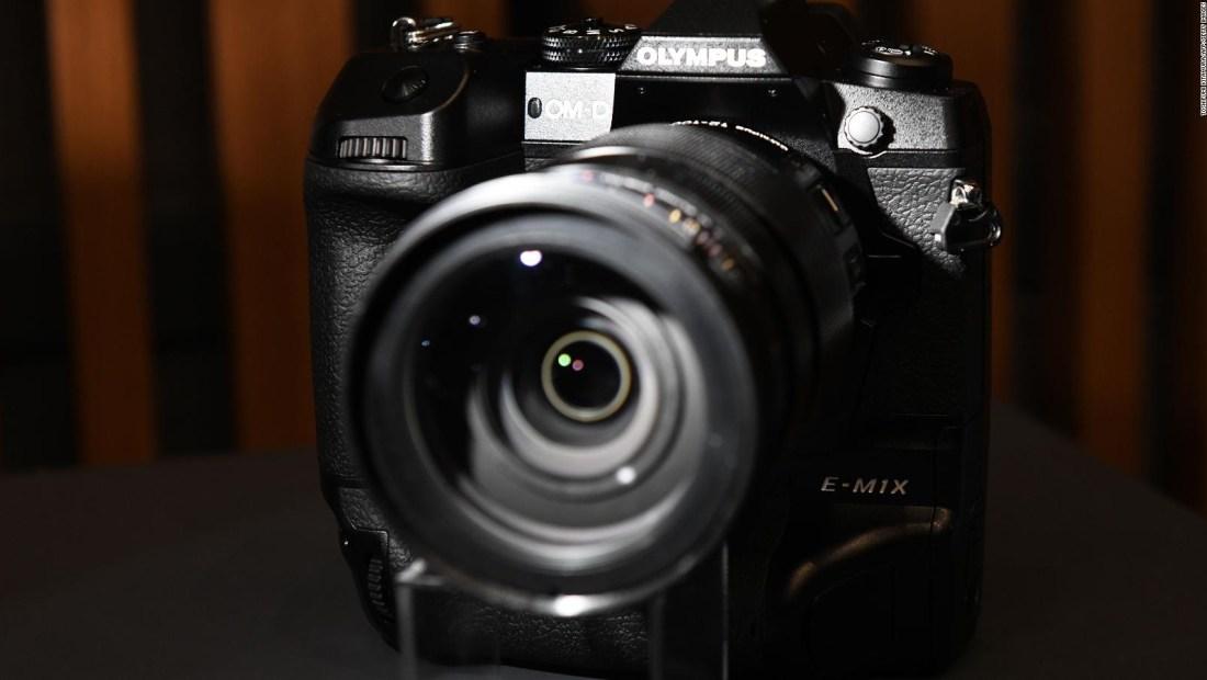 Olympus venderá su división de cámaras