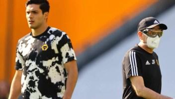 Raúl Jiménez llega a 15 goles en la Liga Premier