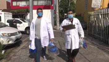 Así realizan algunas pruebas de covid-19 en la capital mexicana