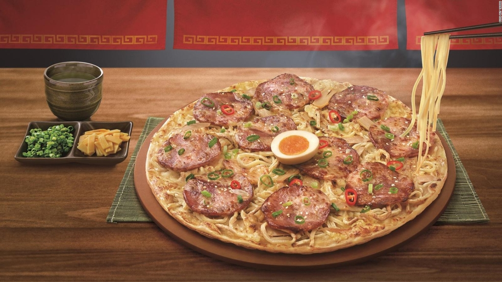 Pizza de ramen causa debate en internet