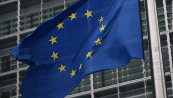 La Unión Europea evalúa la recomendación de bloquear a los viajeros, incluidos los estadounidenses, debido al coronavirus