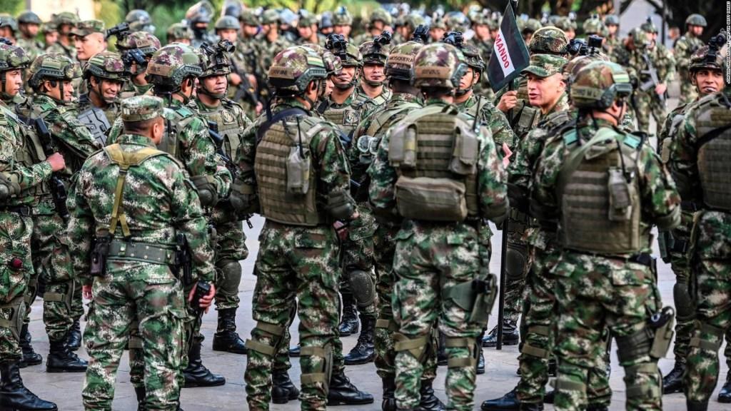 Investigan espionaje del ejército colombiano a periodistas y opositores